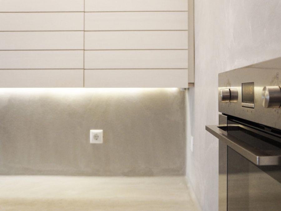 ανακαίνιση κουζίνας & μπάνιου, Ανακαίνιση διαμερίσματος Αμπελόκηποι, κουζίνα, πατητή τσιμεντοκονία τοίχου