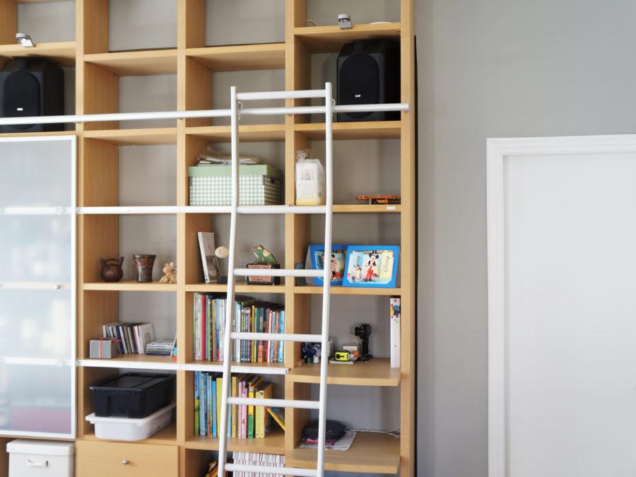 Ανακαίνιση διαμερίσματος στο Χαλάνδρι, κατασκευή ξύλινης βιβλιοθήκης