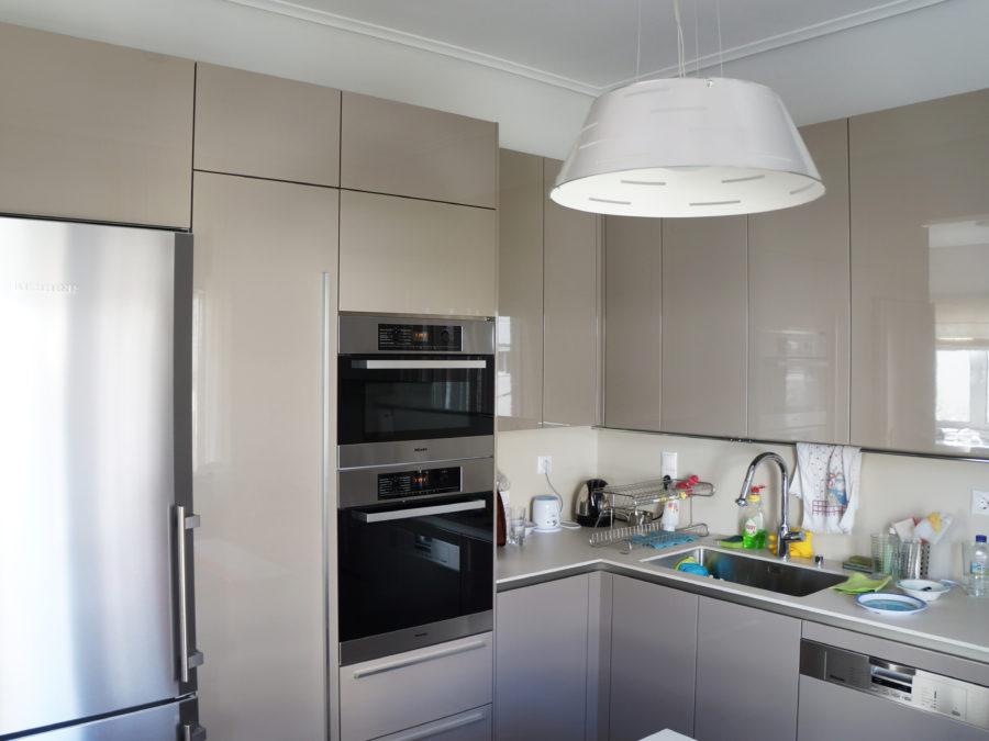 Ανακαίνιση διαμερίσματος στο Χαλάνδρι, ανακαίνιση κουζίνας, ντουλάπια λάκες 2
