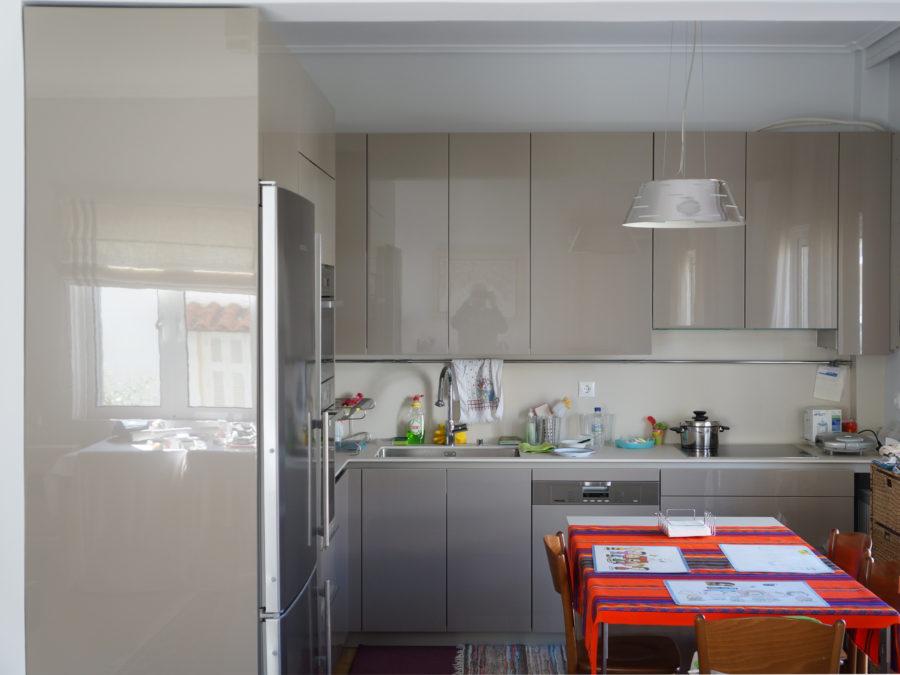 Ανακαίνιση διαμερίσματος στο Χαλάνδρι, ανακαίνιση κουζίνας, ντουλάπια λάκες