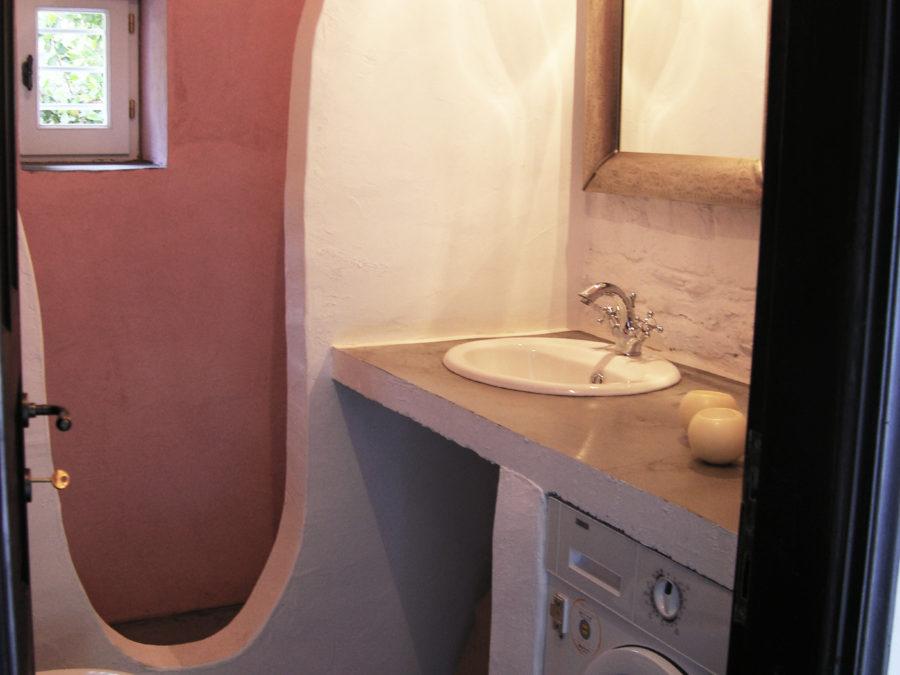 Ανακαίνιση τουριστικών κατοικιών στη Σκόπελο