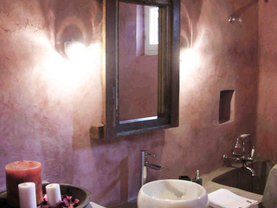 Ανακαίνιση τουριστικών κατοικιών στη Σκόπελο, παραδοσιακό μπάνιο, πατητή τσιμεντοκονία